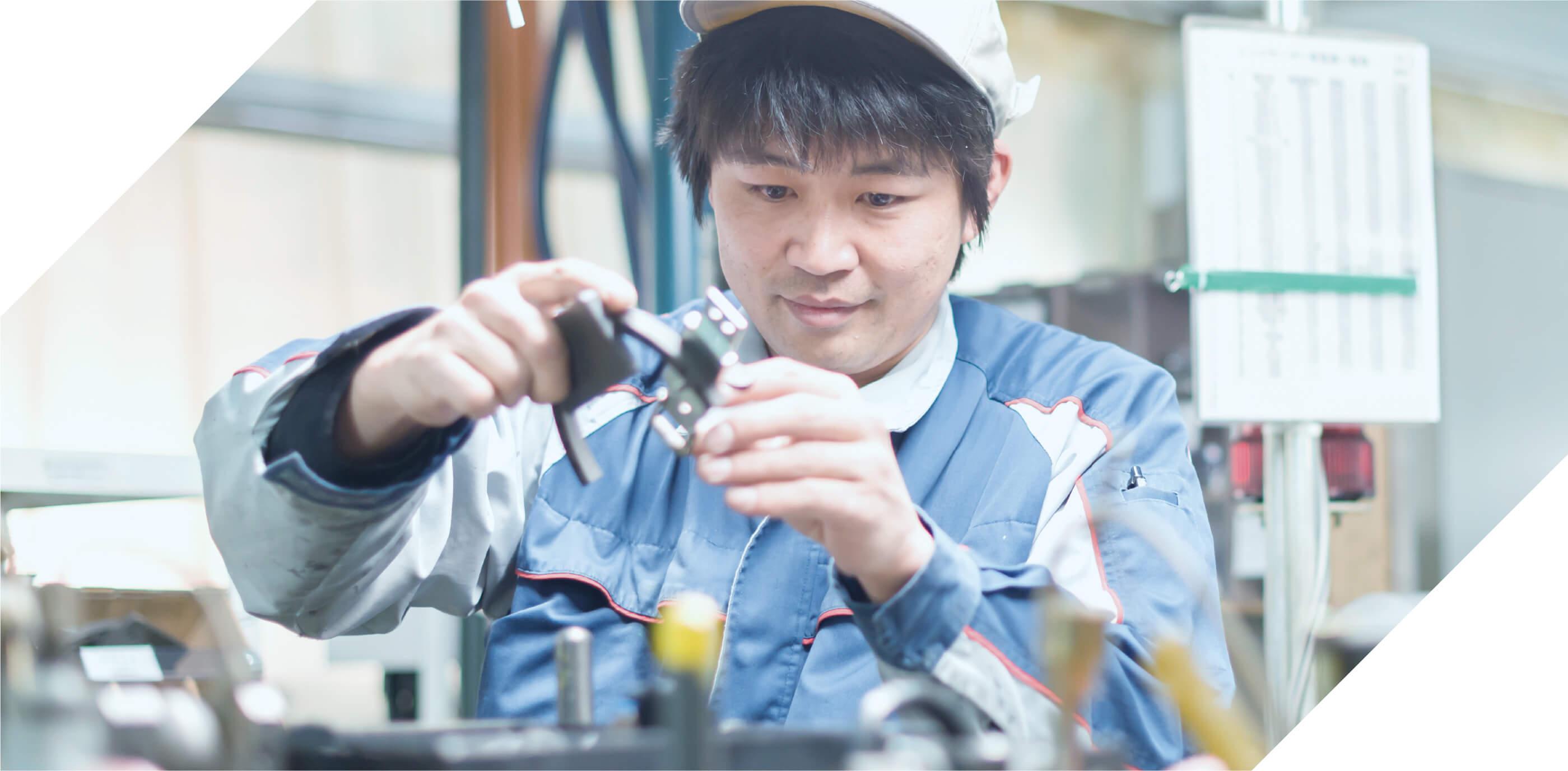 製造部門PRODUCTION